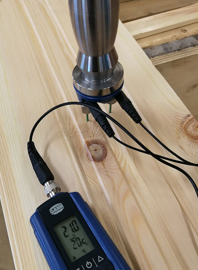 Moisture measurement for the cladding panel